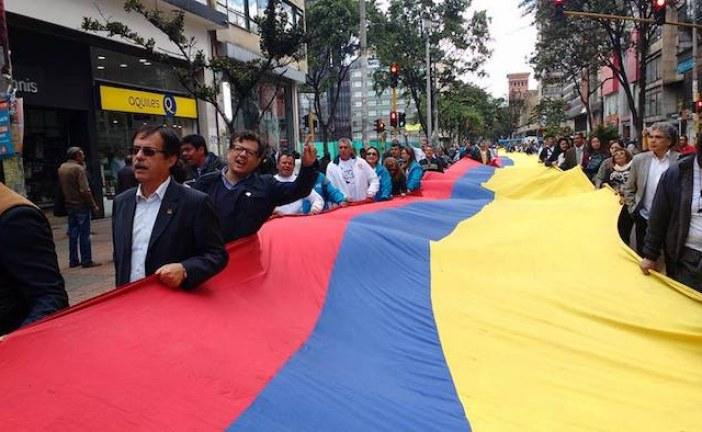 Con cerca de 70.000 firmas Sintrateléfonos pide convocar Cabildo Abierto contra pretensión de Peñalosa de privatizar ETB.