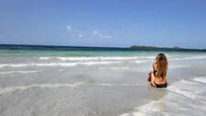 Playa Medio Mundo, Ceiba