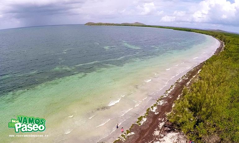 playa-medio-mundo-ceiba-puerto-rico-11