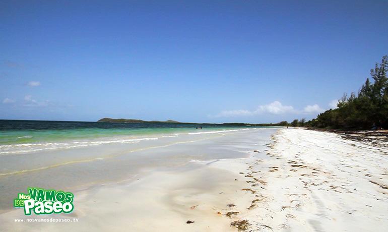 playa-medio-mundo-ceiba-puerto-rico-9