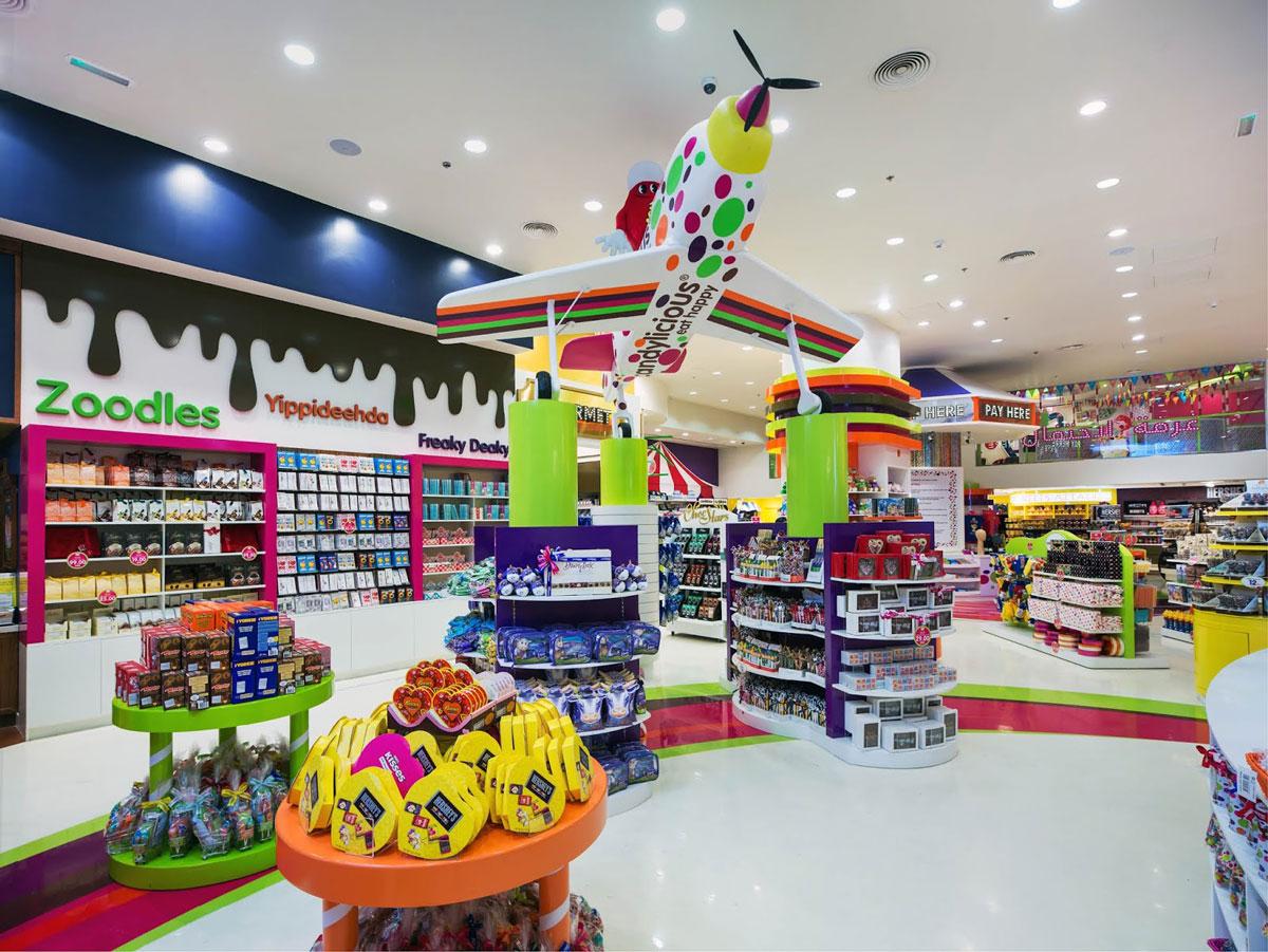 thiết kế nội thất cửa hàng đồ chơi