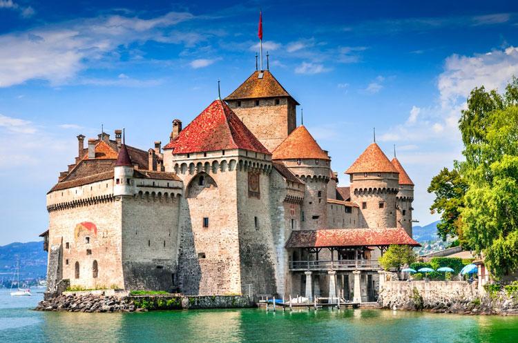 Lâu đài Chillon - Tòa lâu đài bước ra từ truyện cổ tích
