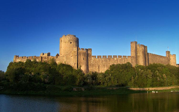 Lâu đài cổ Pembroke
