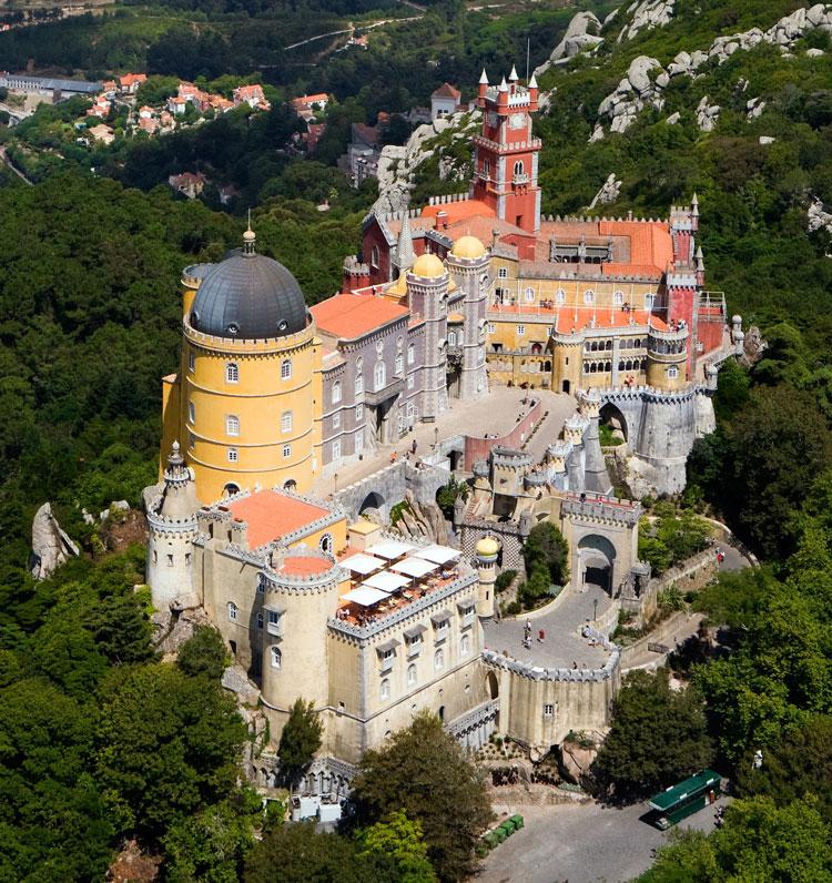 Lâu đài Pena Palace - Tòa lâu đài độc đáo