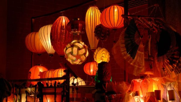 For children, making lanterns might be the most wonderful activity.