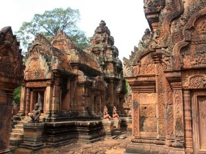 Cambodia Scenic Tour from Phnom Penh to Siemreap for 4 Days