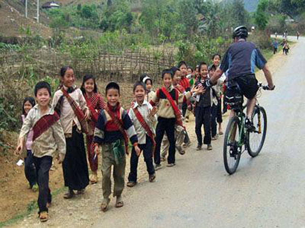 VIETNAM NORTHWEST BIKING TOUR TO DIEN BIEN PHU