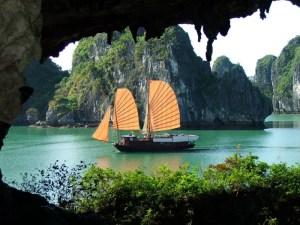 Vietnam Sightseeing Tours: Wonders of Vietnam Tour