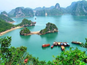 Indochina Tours: Essence of Vietnam and Laos Tour