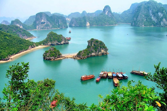 Best Highlights of Vietnam & Myanmar Tour