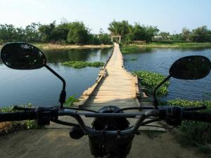 Vietnam Motorbike Tours on Ho Chi Minh Trail from Hanoi to Saigon