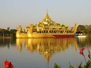 Myanmar Family Tours: Myanmar Luxury Honeymoon Tour For Escapes