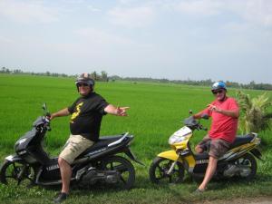 MEKONG MOTORBIKE TOUR FOR HIDDEN BEAUTY