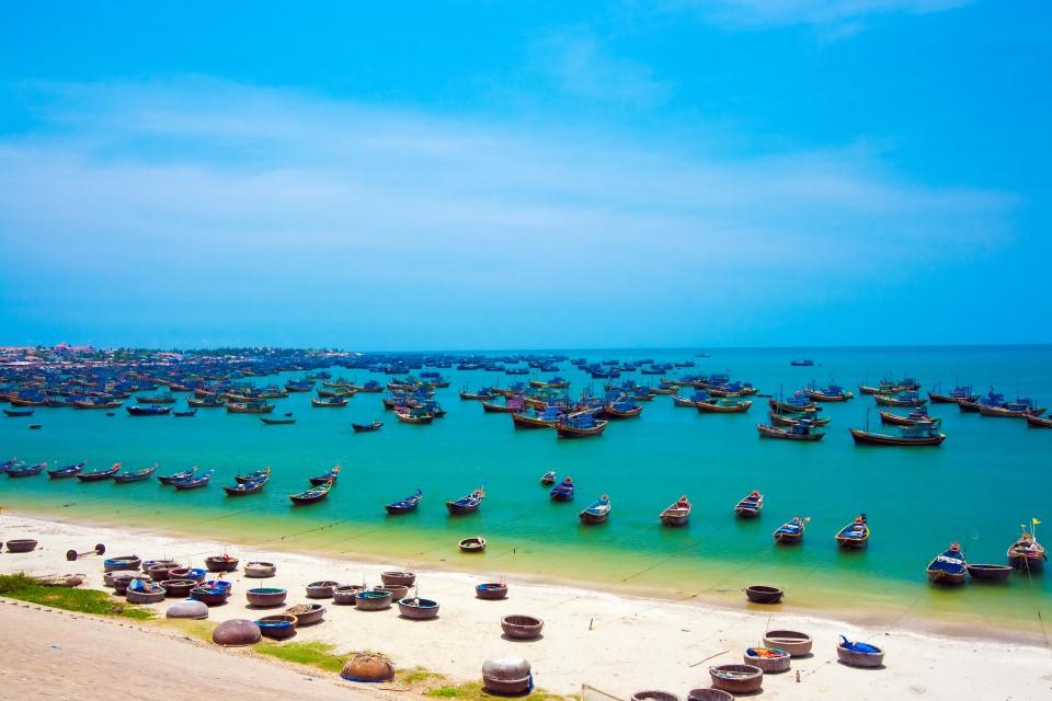 Phan Thiet Mui Ne Beach Tour from Saigon for 4 Days