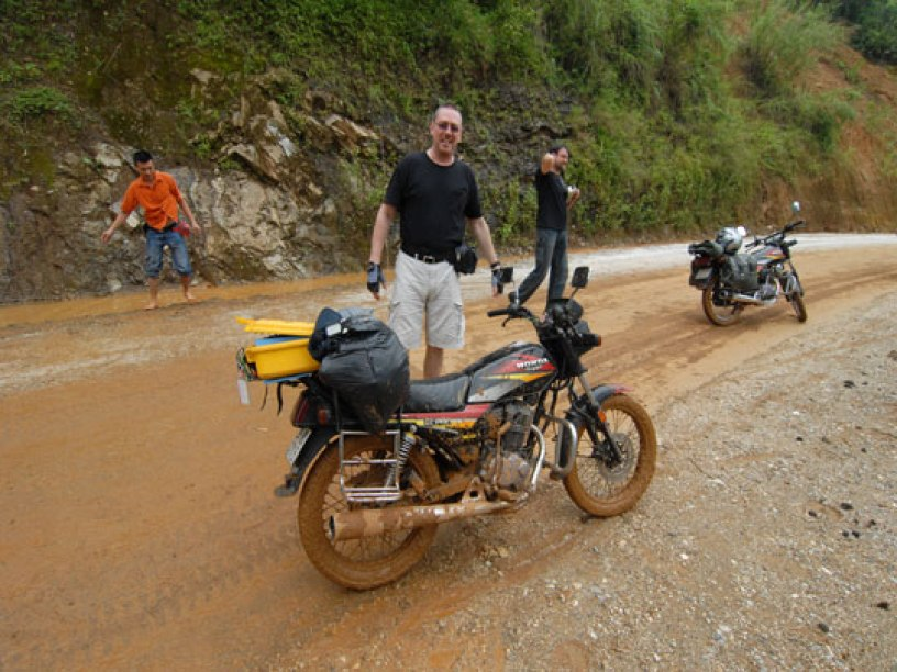 FANTASY VIETNAM MOTORCYCLE TOUR FROM WEST TO EAST