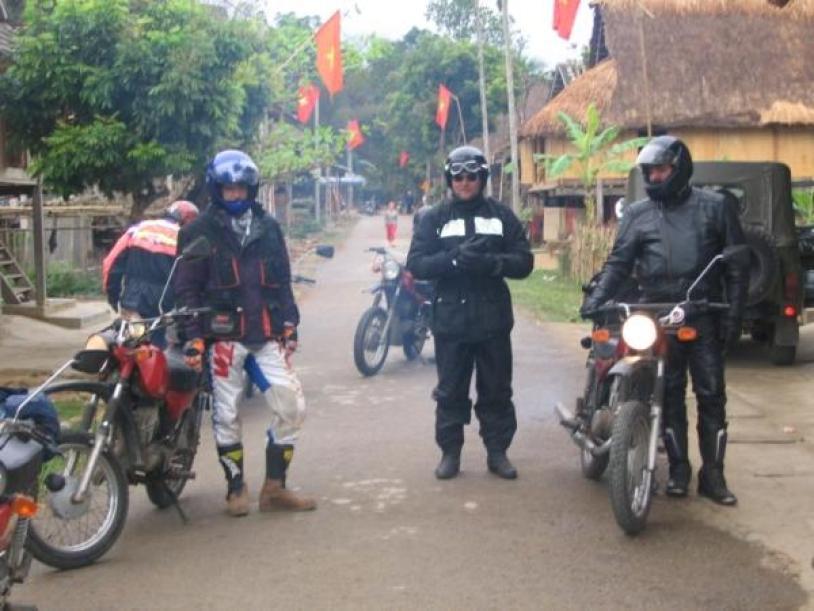 AMAZING NORTHEAST MOTORBIKE TOUR FROM SAPA