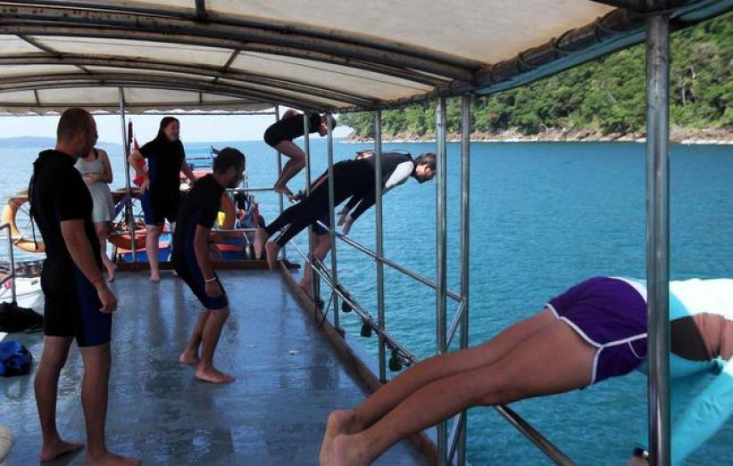 AMAZING CAMBODIA SCUBA DIVING NEARBY ISLANDS