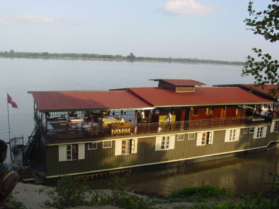 PAKSE CRUISE TOUR TO MEKONG ISLANDS