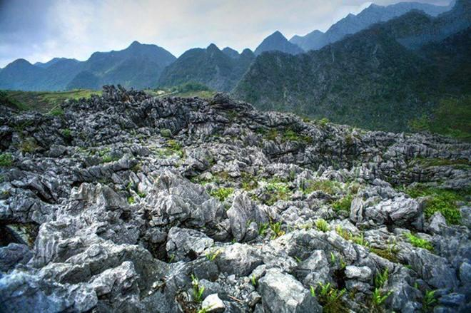 EAST-TO-WEST VIETNAM VENTURING EXPEDITION