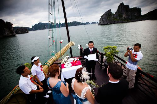 Halong Classic Honeymoon Tour