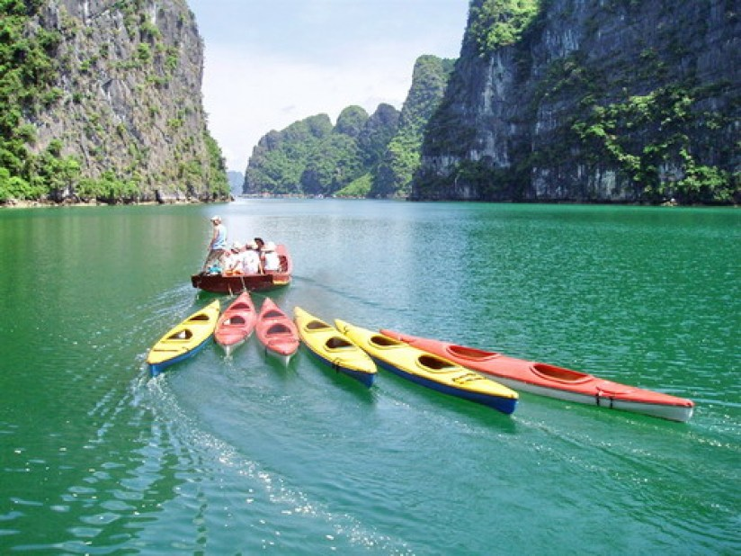 3-Day Halong Bay Tour on V'Spirit Classic Cruise