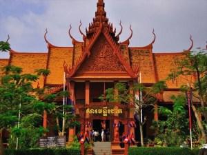 RV Jahan Upstream Cruise Tour from Saigon to Siemreap