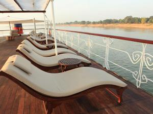 RV Indochine Cruise Holiday from Saigon to Phnom Penh - 6 Days
