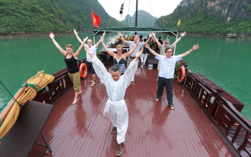 Fascinating Halong Bay Tour with Royal Heritage Cruise - 2 Days