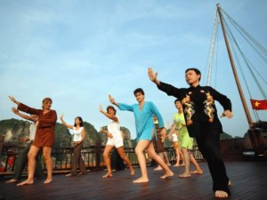 Three Days Halong Bay Discovery with Bhaya Classic Cruise