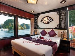 Halong Aclass Legend Cruise Trip for 2 Days / 1 Night