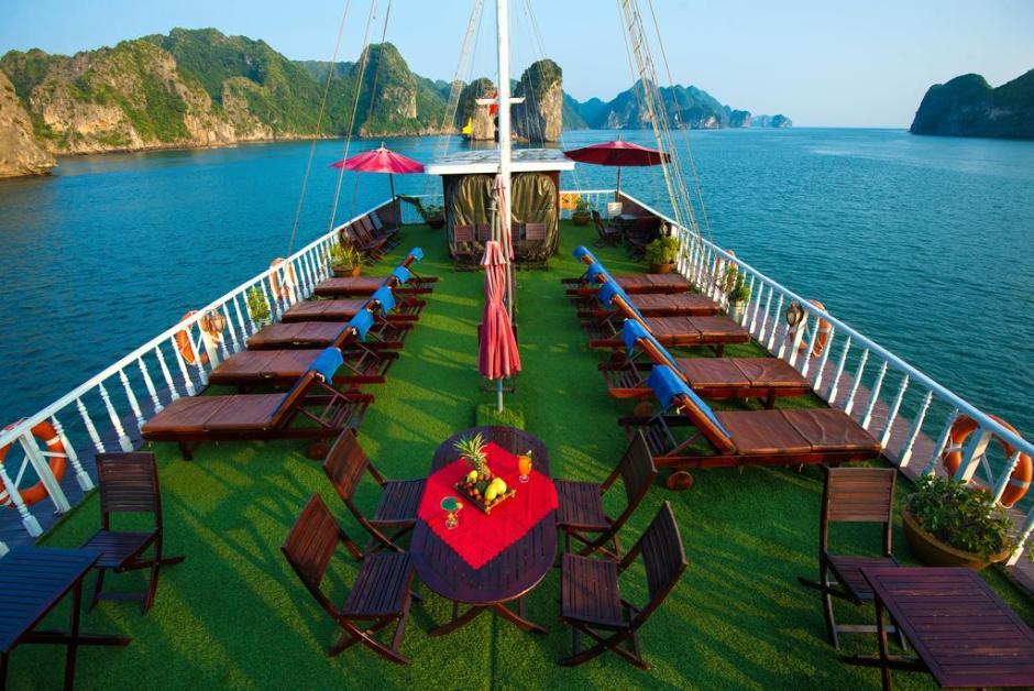 Halong Gray Line Cruise Tour for 2 Days / 1 Night