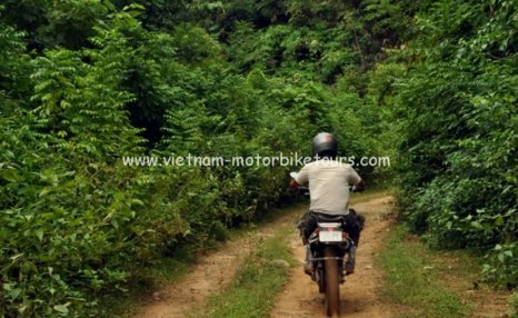 Motorbike Tours in Vietnam North West Pic05