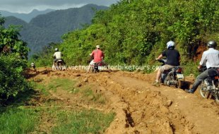 Motorbike Tours in Vietnam North West Pic12