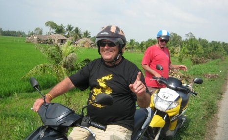 Motorbike tours in Southern Vietnam Pic25
