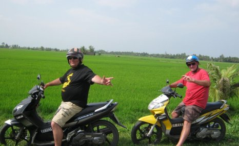 Motorbike tours in Southern Vietnam Pic26