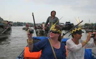 Motorbike tours in Southern Vietnam Pic01