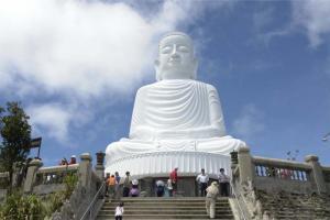 Linh Ung Pagoda 300x200 - BA NA - CHUA MOUNT TOURIST AREA