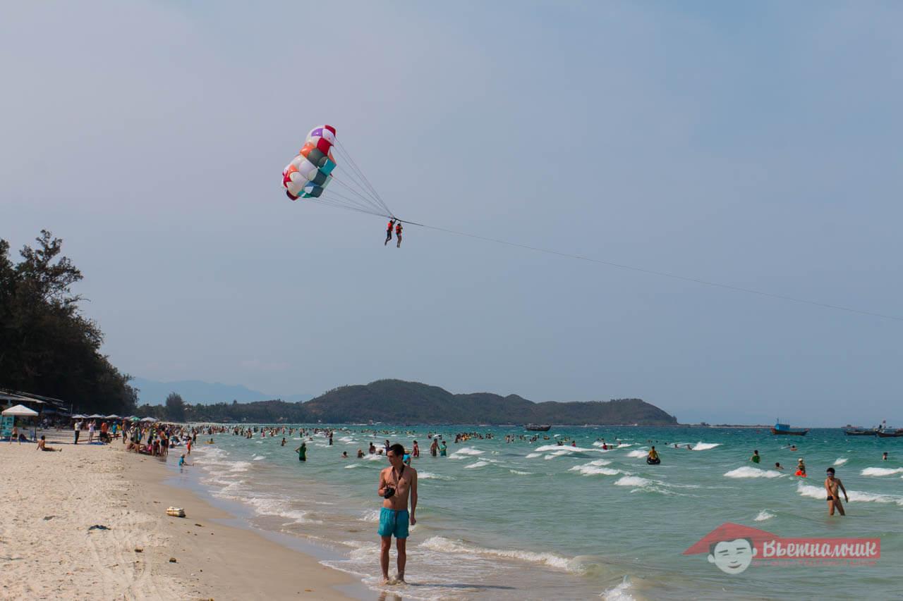 Пляж Доклет в выходной день