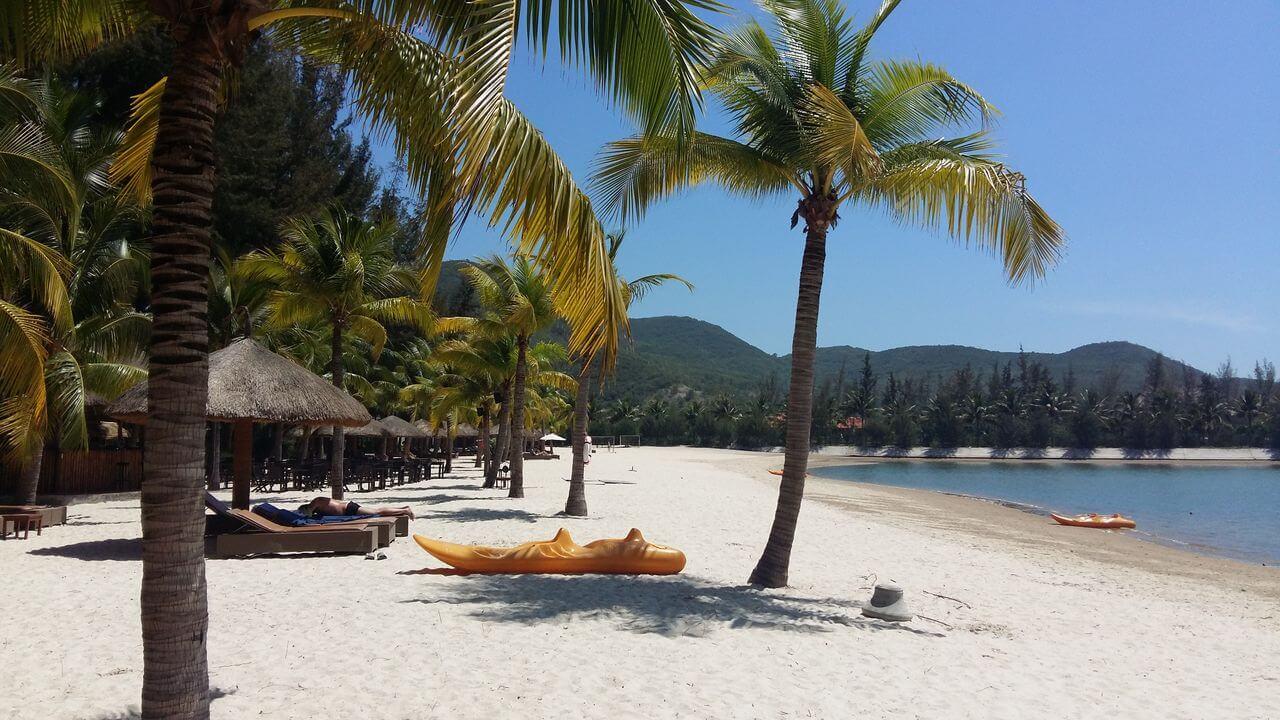Собственный пляж Diamond Bay Resort