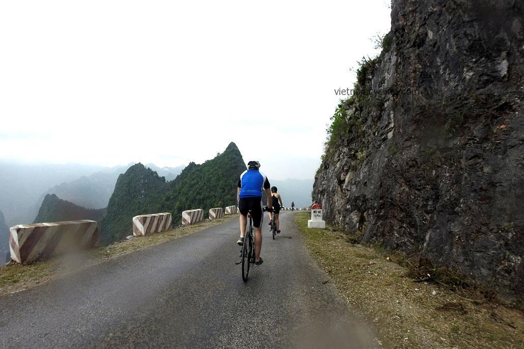 biking ha giang