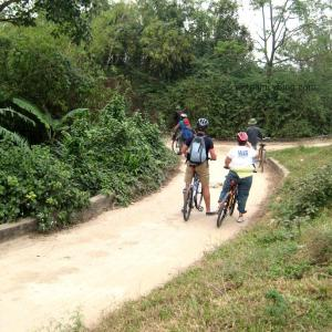 cycling hanoi, bat trang village
