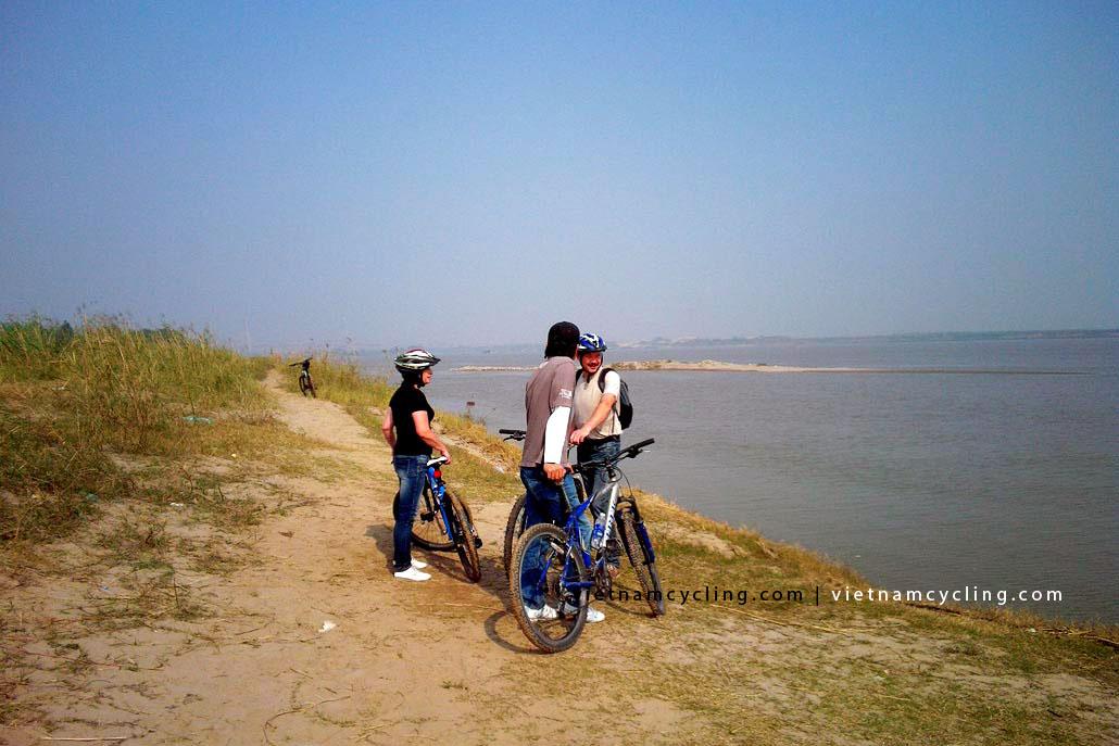 bike, cycle hanoi red river island