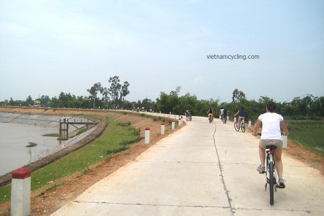 cycling hanoi soc son