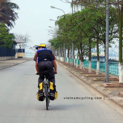 cycle hanoi west lake photo, picture
