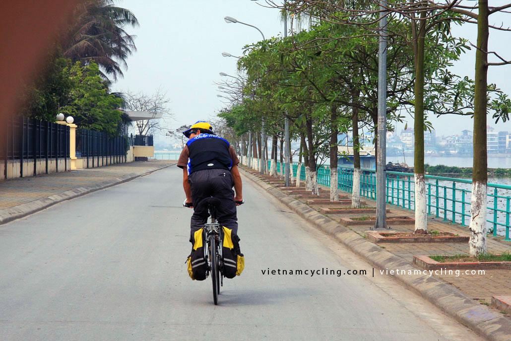 bike, cycle hanoi west lake