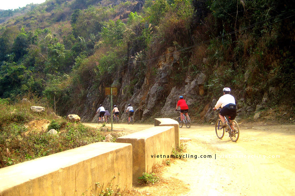 cycle bike lai chau vietnam 1