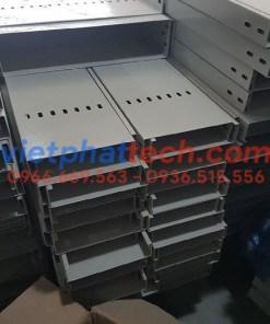 Máng cáp sơn tĩnh điện 200×50 giá rẻ giao hàng toàn quốc 10