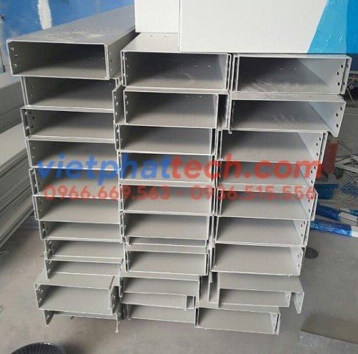 sản xuất máng cáp sơn tĩnh điện 300x100