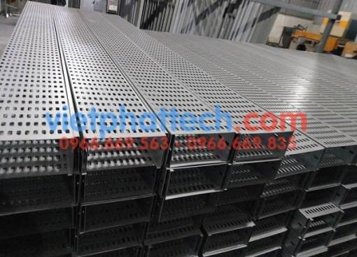 Sản xuất thang máng cáp tráng kẽm điện phân số 1 8