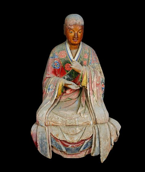 A 1,000-year-old Arhat statue with internal organs made of silk in its body in Lingyan Temple